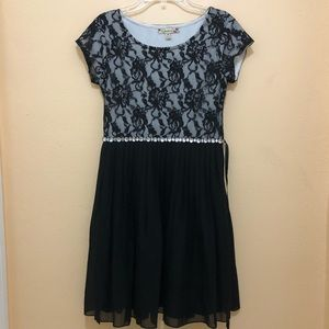Speechless Black Lace Cap Sleeve Mini Party Dress